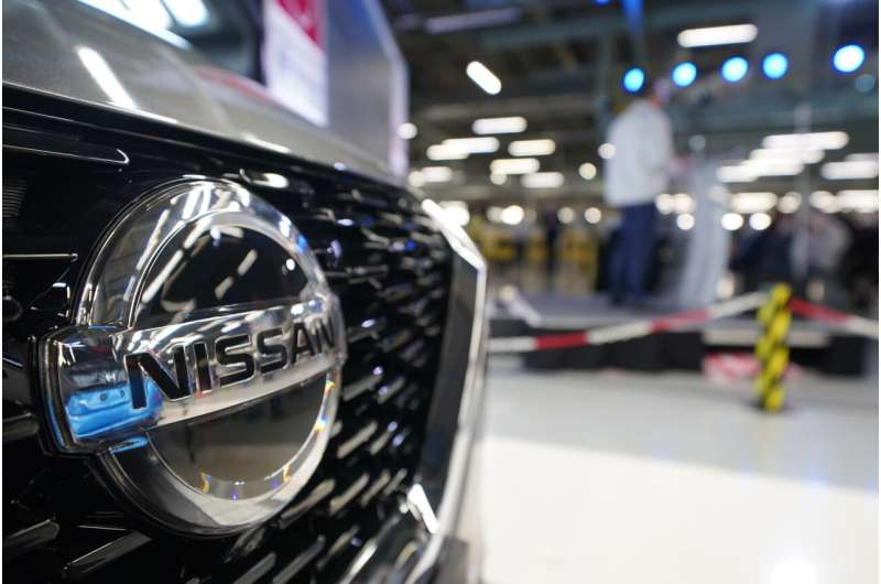 Nissan to make new electric cars, batteries in Britain