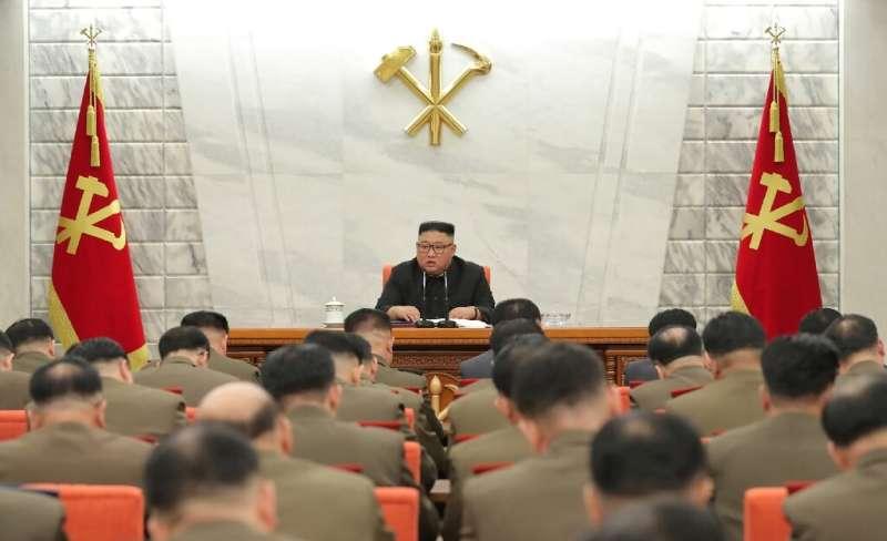 Le cyber-programme de la Corée du Nord remonte au moins au milieu des années 1990, lorsque Kim Jong Il, père du dirigeant actuel Kim Jong Un r