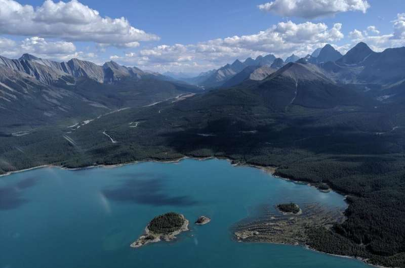 Northern lakes at risk of losing ice cover permanently, impacting drinking water