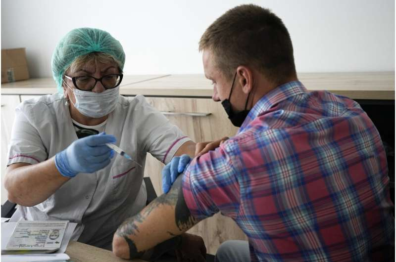 Official: Nearly 70% of medical workers in Moscow vaccinated