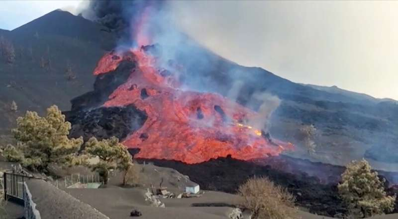 On Saturday, part of the volcano's cone collapsed, sending new rivers of lava pouring down the slopes towards an industrial zone