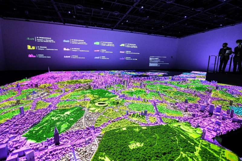 Pairing a 3-D model with projection mapping, the Urban Lab project at Tokyo's Mori Building aims to display information about th