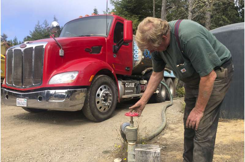 Parched Mendocino, California, implores guests to save water