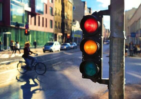 Pedestrians should get the green light on traffic signal prioritisation