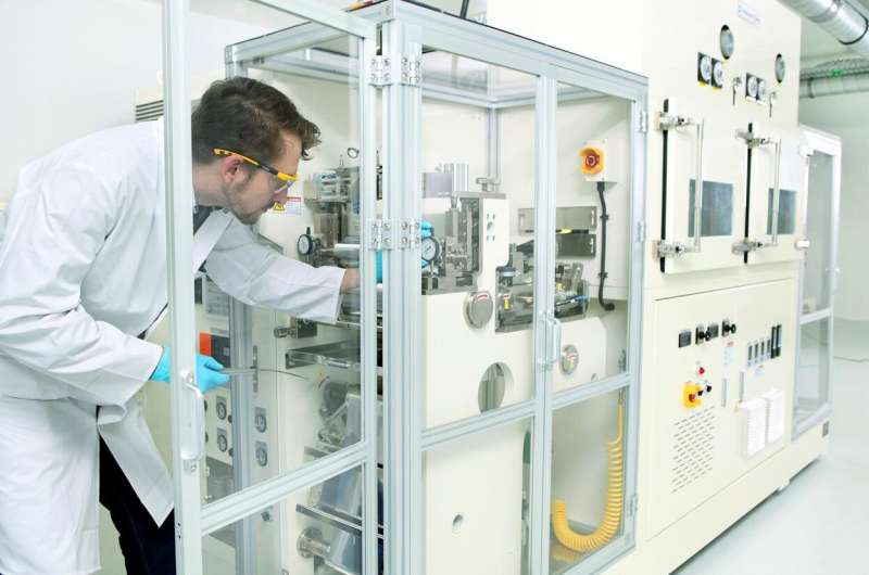 Production of 'post-lithium-ion batteries' requires new skills