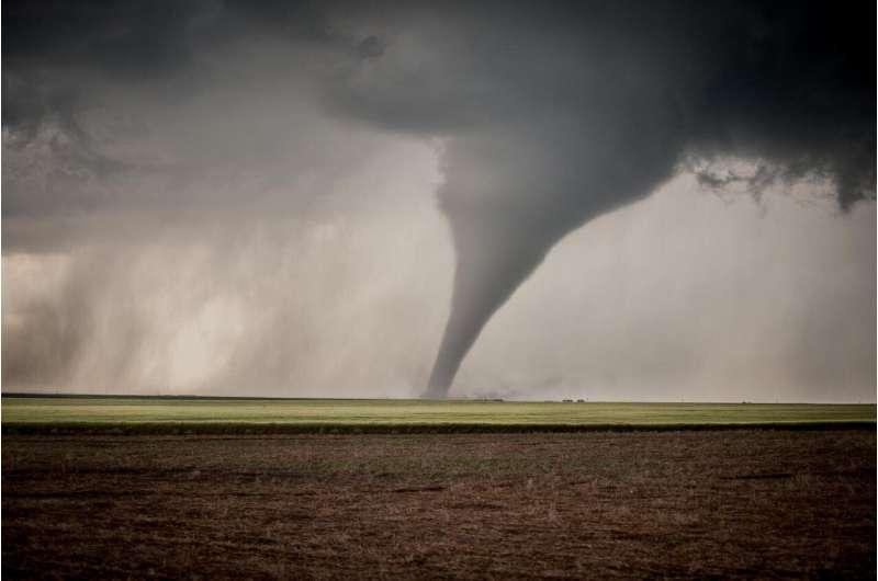 Rating tornado warnings charts a path to improve forecasts