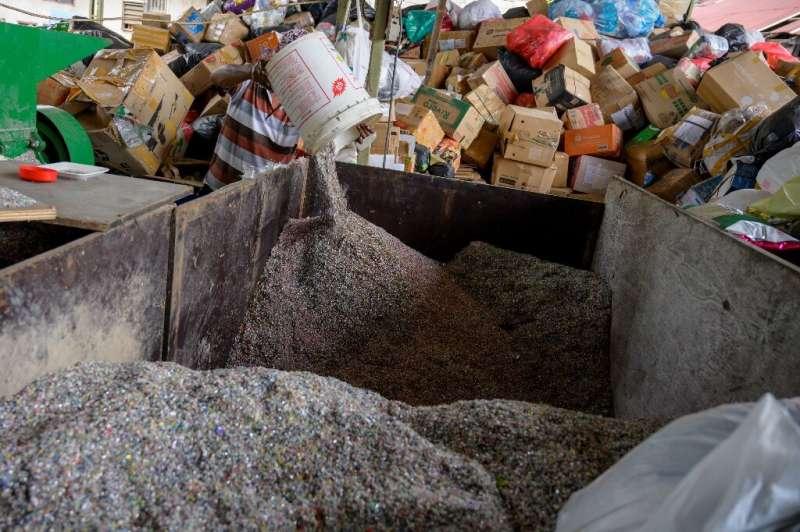 Reprix kini menerima kemasan sampah plastik dari para donatur di seluruh Indonesia