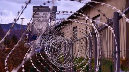 Researchers aim to optimize disease prevention in prison populations with rapid testing