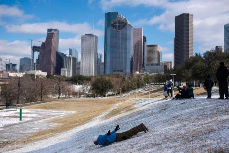 Residents enjoying the snow in Houston, Texas on Monday