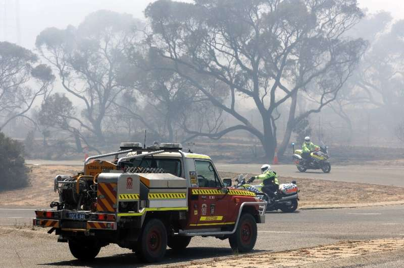 Residents in several Perth suburbs have been warned to be on watch as firefighters battle the blaze