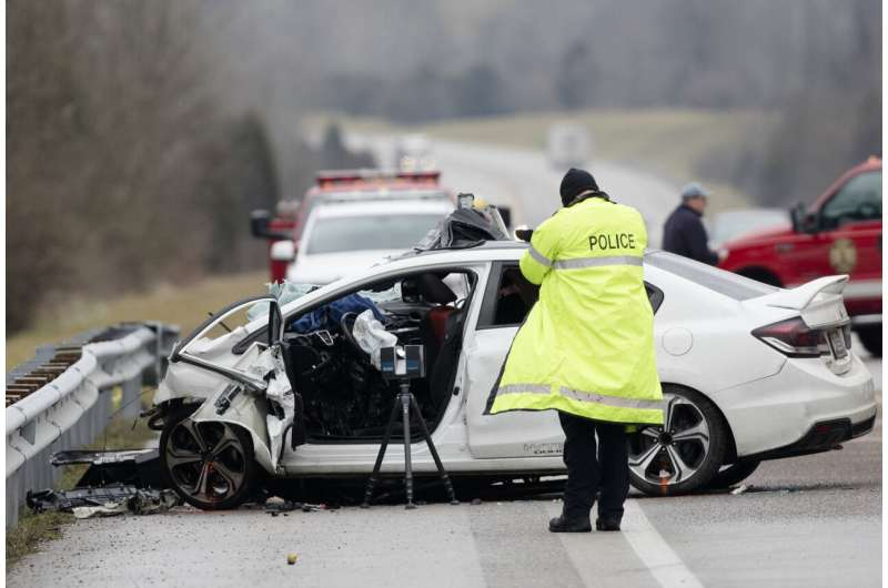 Risky driving: US traffic deaths up despite virus lockdowns
