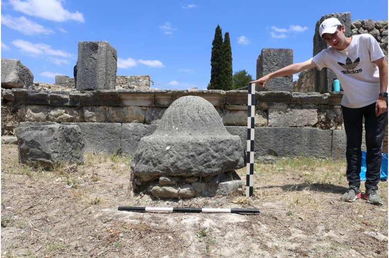 Roman-eramixers and millstonesmade with geology in mind