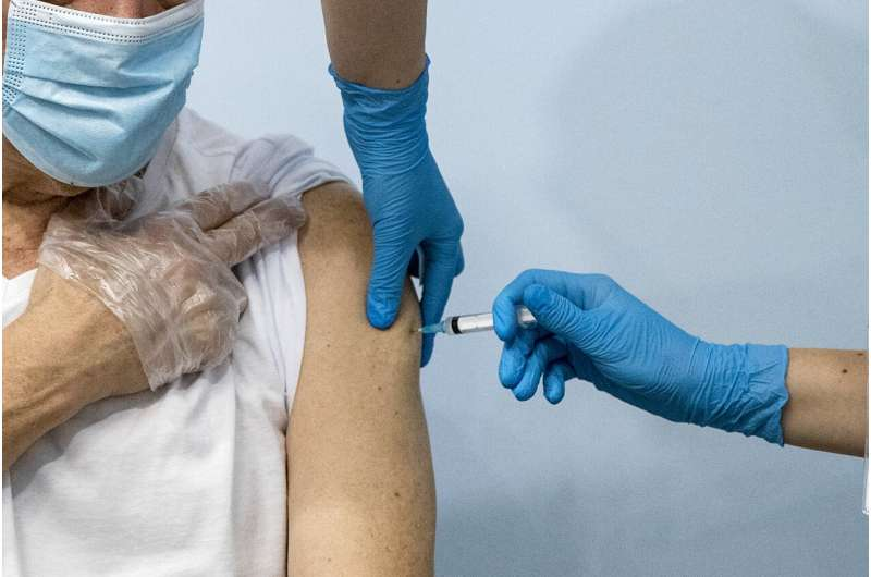 Russian regions make vaccines mandatory for many workers