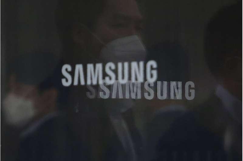 Samsung melaporkan lonjakan laba pada penjualan smartphone dan TV