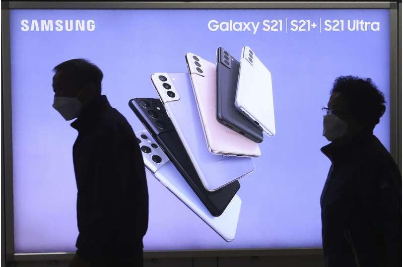 Samsung reports profit jump on smartphone, TV sales