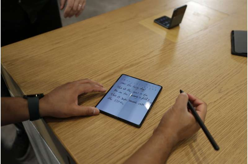 Samsung slashes prices in bid to boost foldable phone sales