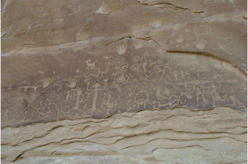 Solving a long-standing mystery about the desert's rock art canvas