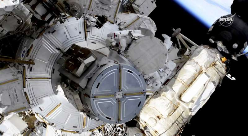 Spacesuit problems prevent astronauts from completing job