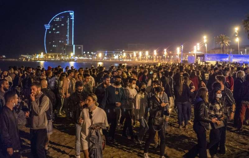 Spain: Expert warns that virus surge could follow parties