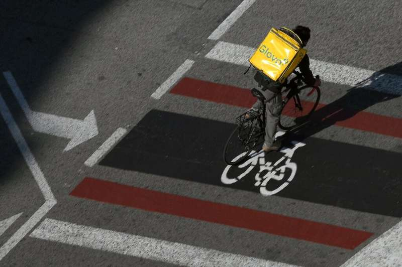 Spain will be the first in Europe with legislation that explicitly regulates the status of delivery workers who get around on bi