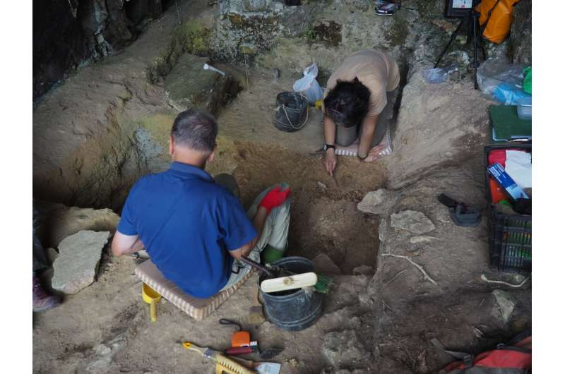 Spatial methods for identifying unusual accumulations at Palaeolithic sites