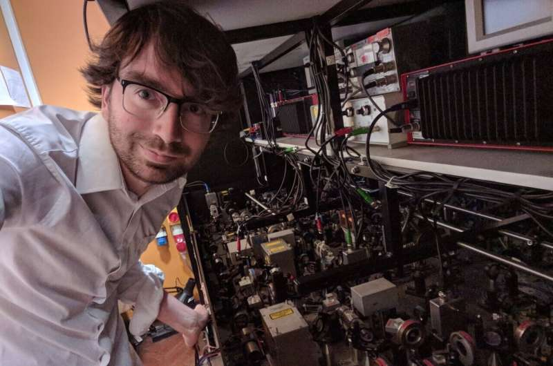 Study demonstrates the robust storage of qubits in ultracold polar molecules