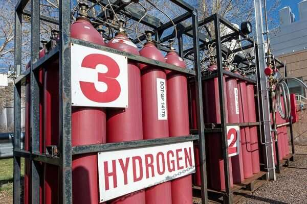 Study offers plan to overcome hurdles for hydrogen energy