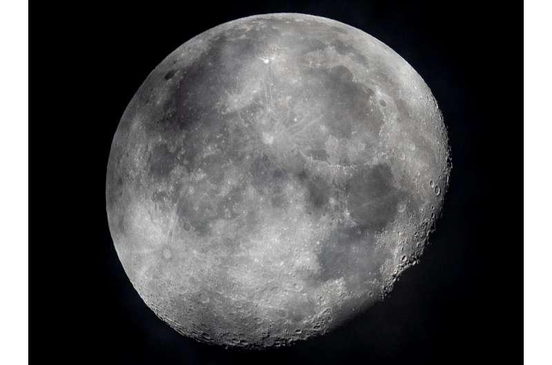 Talking to the moon: Europe pitches lunar satellites plan