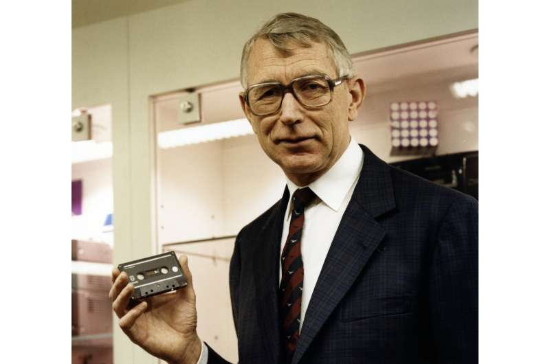 Tape that: Dutch inventor of audio cassette dies at age 94