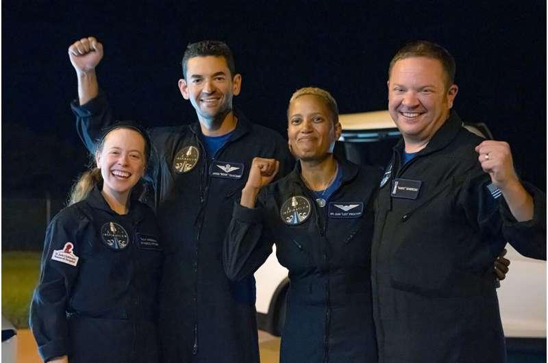 Trailblazing tourist trip to orbit ends with splashdown