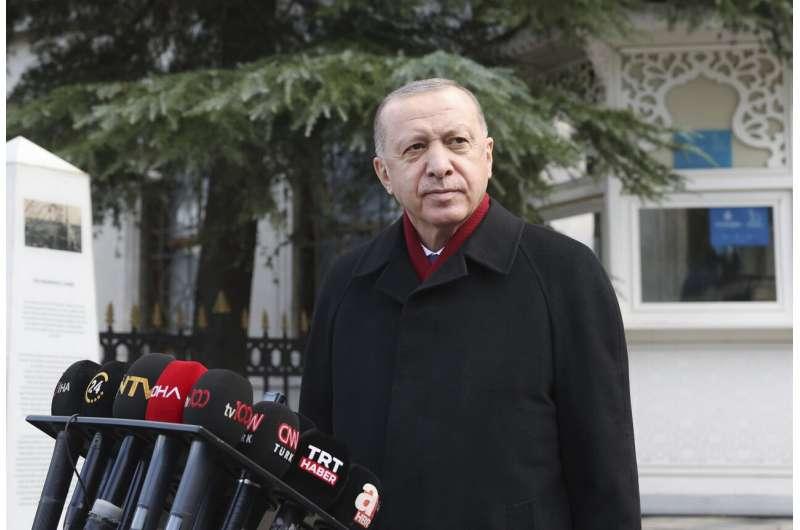 Turki menampar larangan iklan di Twitter, Pinterest