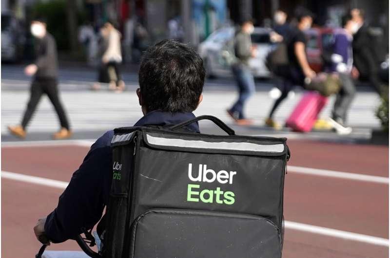 Uber's betterment   accelerates, but worries astir  losses linger