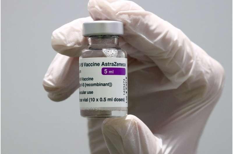 UK to offer under-40s alternative to AstraZeneca shot