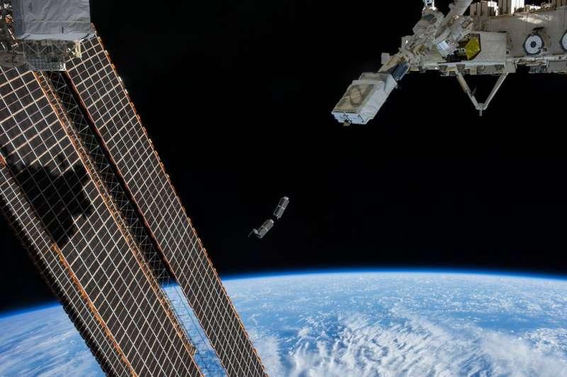 Pengelasan ultrasonik membuat suku cadang untuk misi NASA, industri komersial