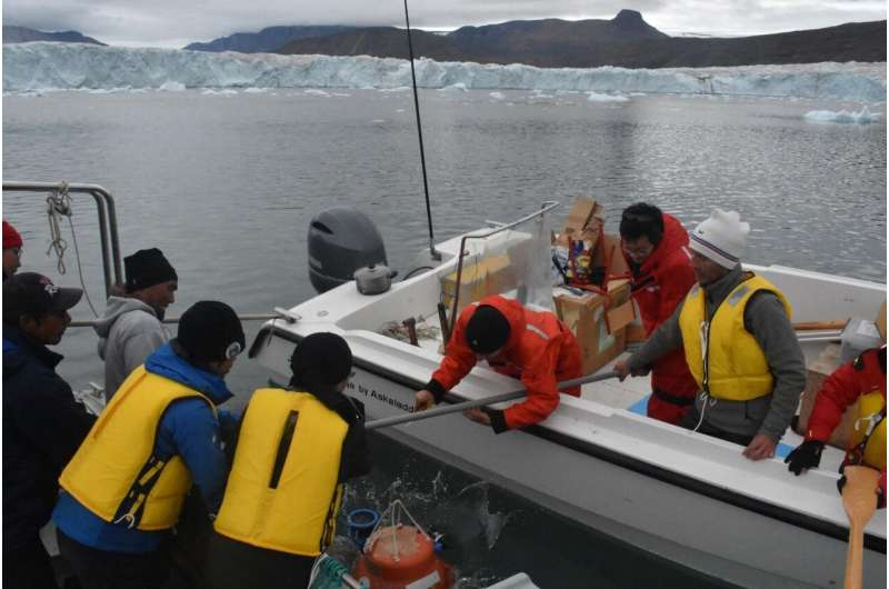 Underwater seismometer can hear how fast a glacier moves