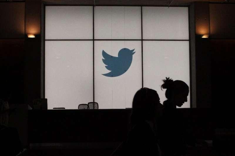 Des procédures mises à jour permettront aux utilisateurs de Twitter de demander plus facilement une certification, mais la plate-forme supprimera également le badge f
