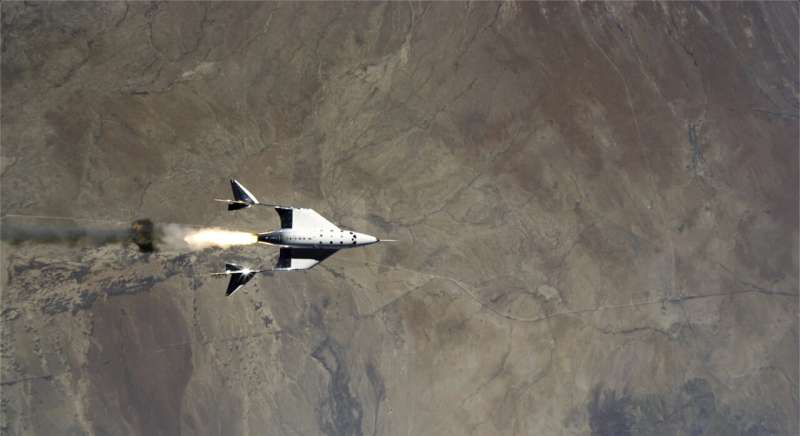 Virgin Galactic rocket ship ascends from New Mexico