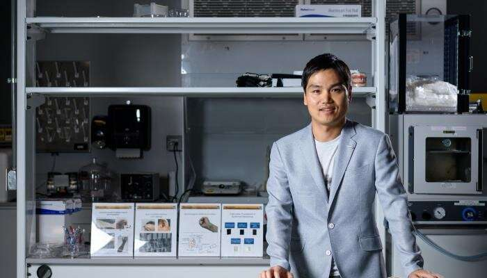 Wearable brain-machine interface turns intentions into actions
