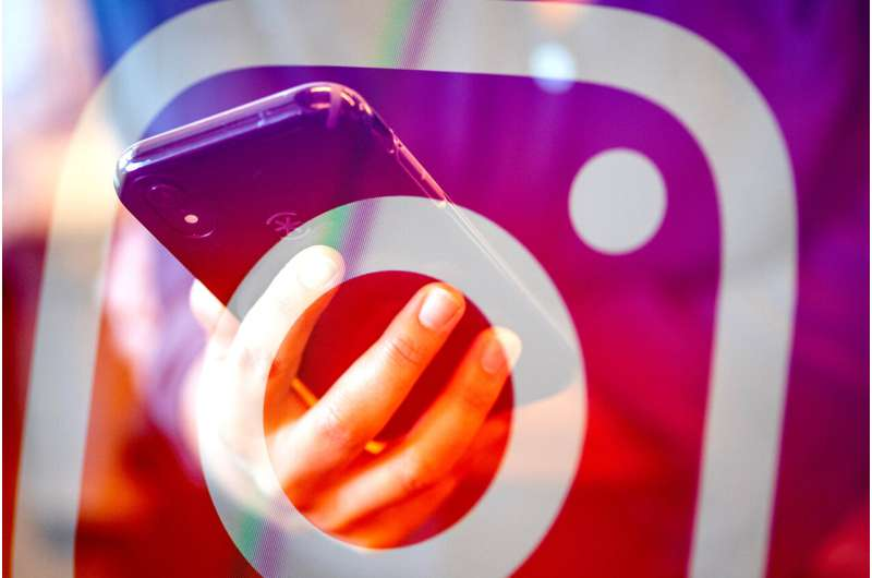 Why does Instagram have a negative effect on teenagers' mental health?