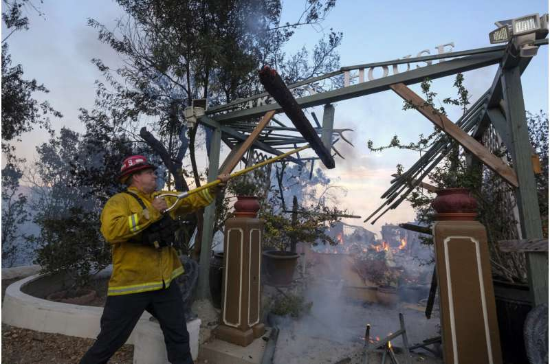 With wildfire threatening, Lake Tahoe prepares for emergency