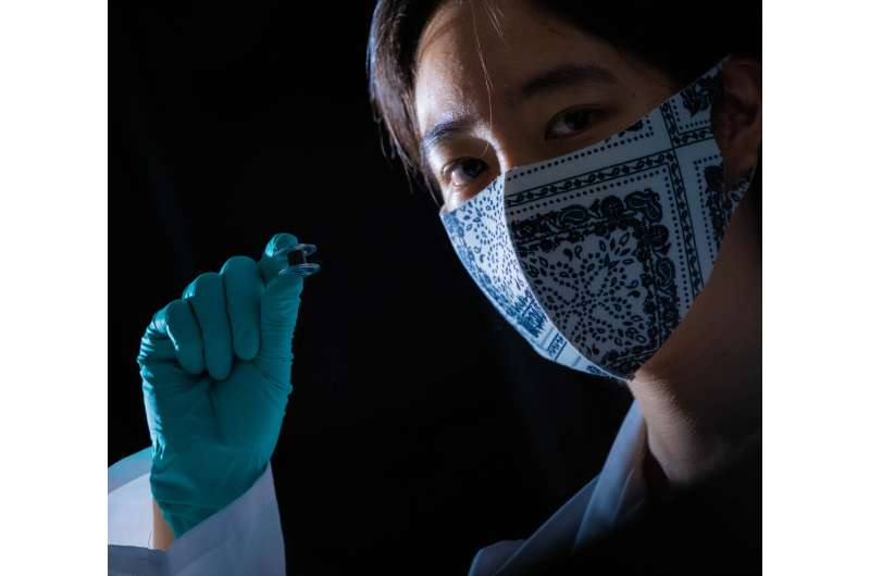 Woven nanotube fibers turn heat into power