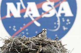 NASA clears Discovery for Monday morning launch (AP)