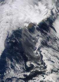 NASA's Terra satellite keeps eye on Eyjafjallajökull's ash plume