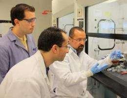 Special sugar, nanoparticles combine to detect cholera toxin